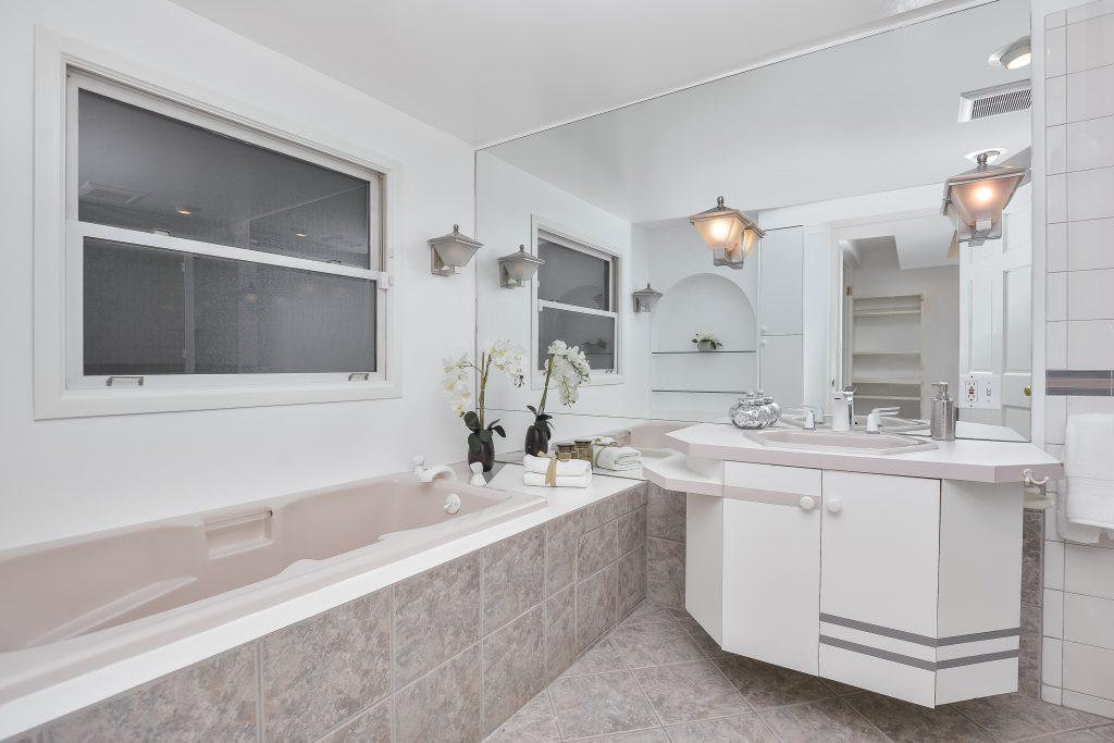 023_3rd Bathroom